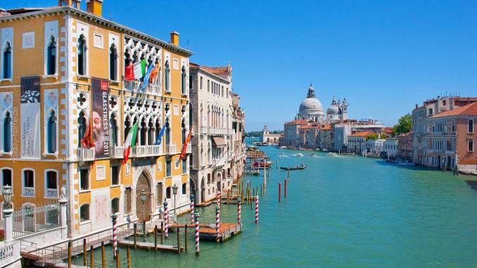 Blick über den Canale Grande in Venedig