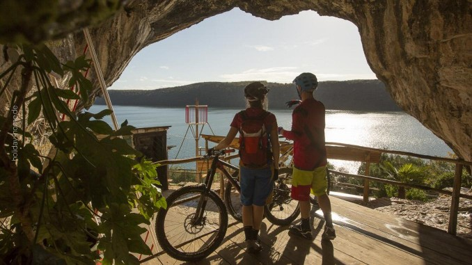 Mit dem Rad durch Istrien: die Piratenhöhle nahe Vrsar
